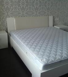 Спальня:каркас ДСП,фасад- МДФ глянец