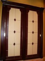 Раздвижные двери:рама-дерево натуральное тонированное+витраж