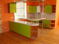 Кухня:фасад- краска,столешница белый пластик